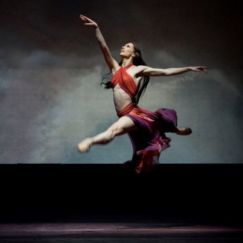 Testi Magical Ballerina Brings Christmas
