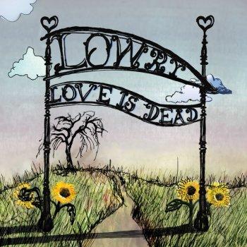 Testi Love Is Dead