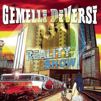 Gemelli diversi i testi delle canzoni gli album e le traduzioni mtv - Discografia gemelli diversi ...