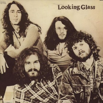 Testi Looking Glass