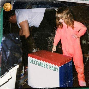 Testi December Baby