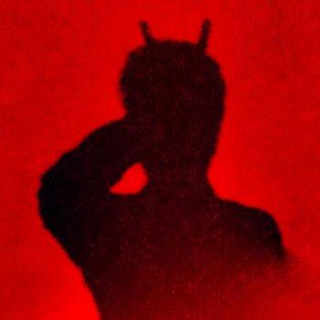 Testi Kissed by the Devil