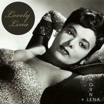 Testi Lovely Lena