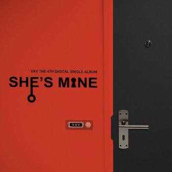 Testi She's Mine