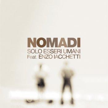 Testi Solo esseri umani (feat. Enzo Iacchetti)