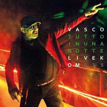 Testi Tutto In Una Notte (Live Kom 015)