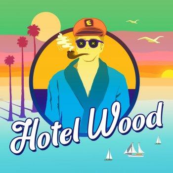 Testi Hotel Wood