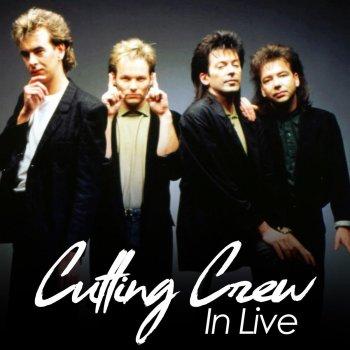 Testi Cutting Crew In Live