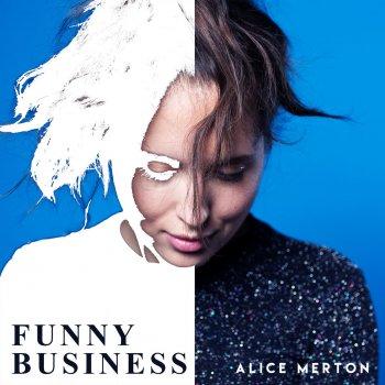 Testi Funny Business