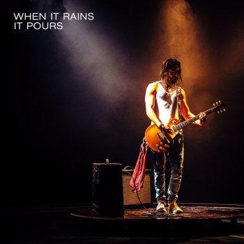 Testi When It Rains It Pours