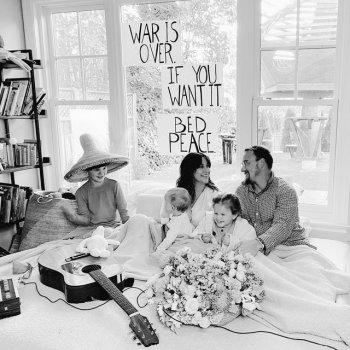Testi Happy Xmas (War is over) - Single