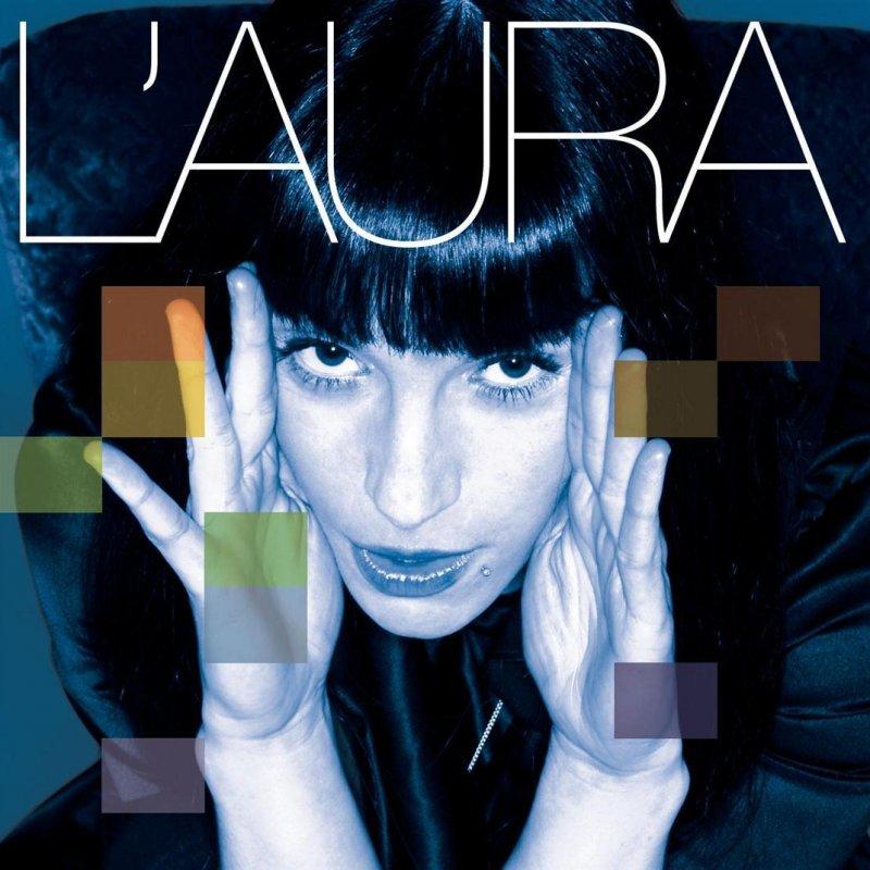 L 39 aura cos 39 lyrics musixmatch for Cos e l antonomasia